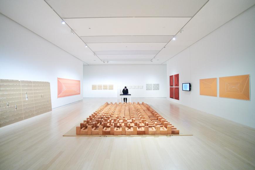 https://www.ludwigmuseum.hu/system/files/styles/gallery_image_lg/private/mplus/multimedia/2018/04/vegeldaniel.com_225031.jpg?itok=aieAdbBH